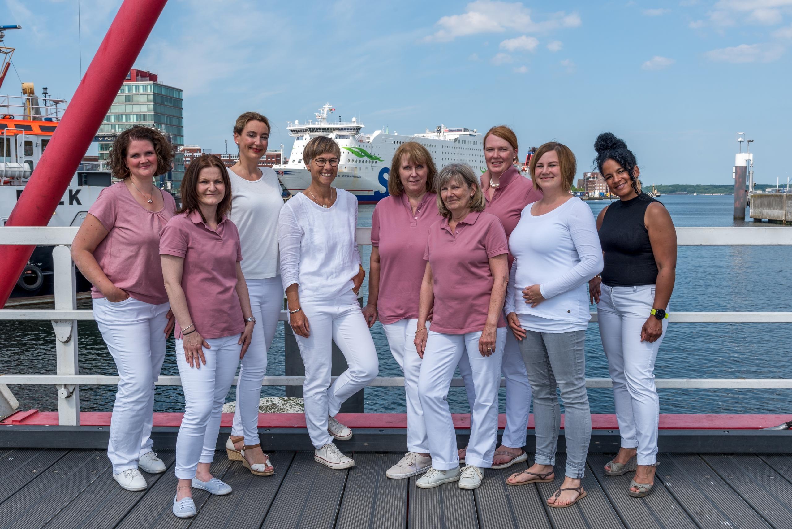 <center>Das Team der Frauenpraxis Ostufer</center>